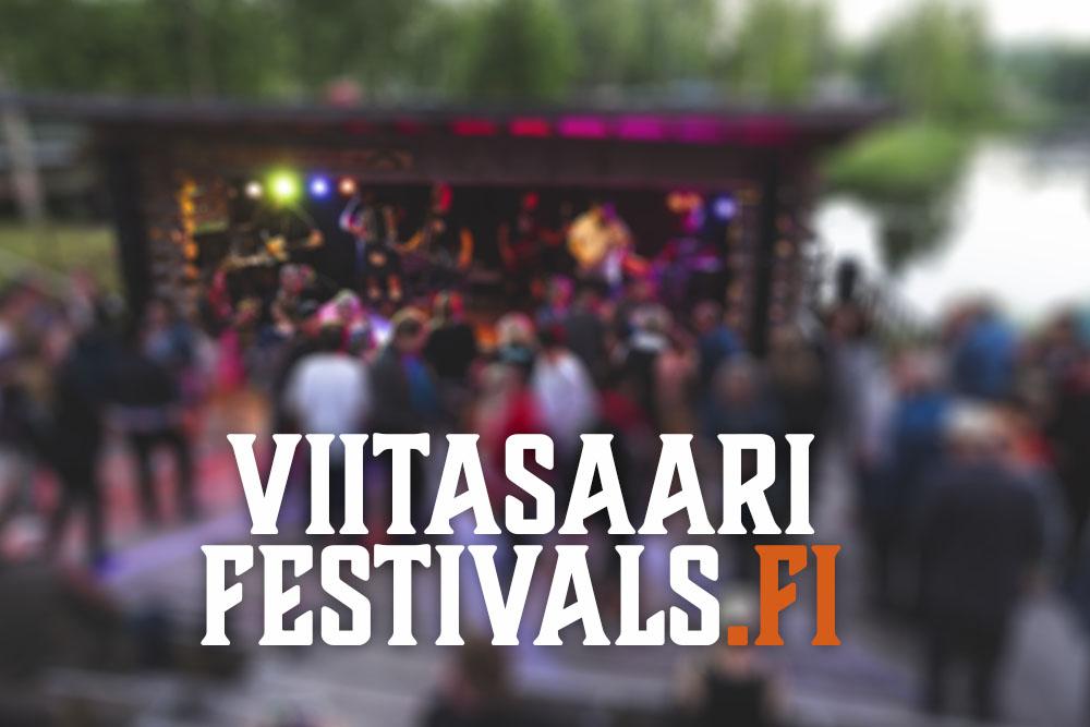 Viitasaari Festivals -teksti ja taustalla kuva Traktorijatzeista